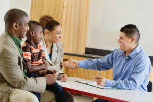 Guru Dan Orangtua Akan Saling Menguatkan Jika Mendiskusikan 6 Hal Ini